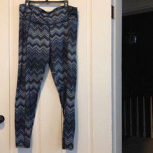 Blue zig zag leggings